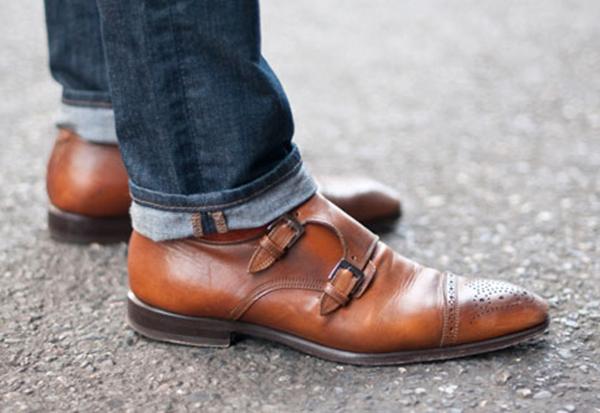 Monkai (monk shoes) – dėmesys į kulkšnis